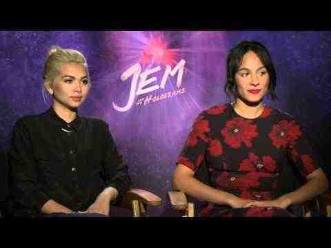 Jem and the Holograms - Hayley Kiyoko & Aurora Perrineau Interview