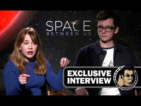 The Space Between Us - Britt Robertson & Asa Butterfield Interview