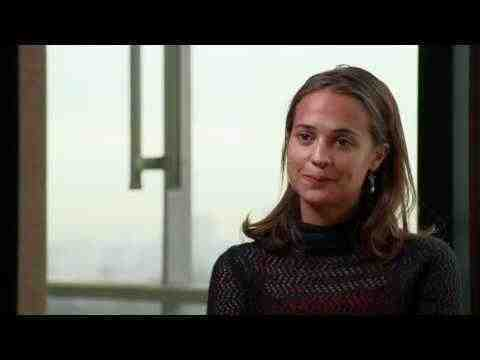 The Fifth Estate - Alicia Vikander Interview
