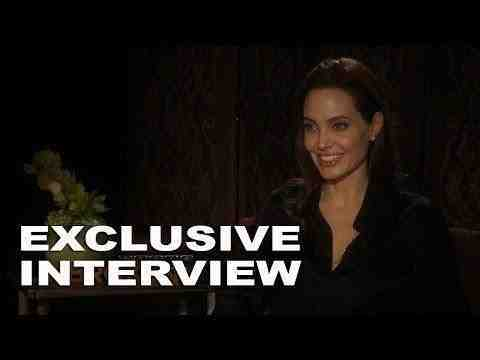 Unbroken - Director Angelina Jolie Interview